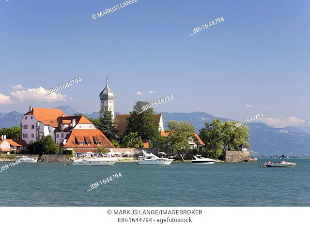 Church of St. George and the castle on the peninsula near Wasserburg, Lake Constance, Bavaria, Germany, Europe