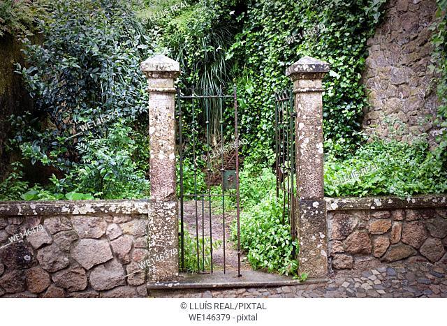 SINTRA, PORTUGAL, GARDEN GATE