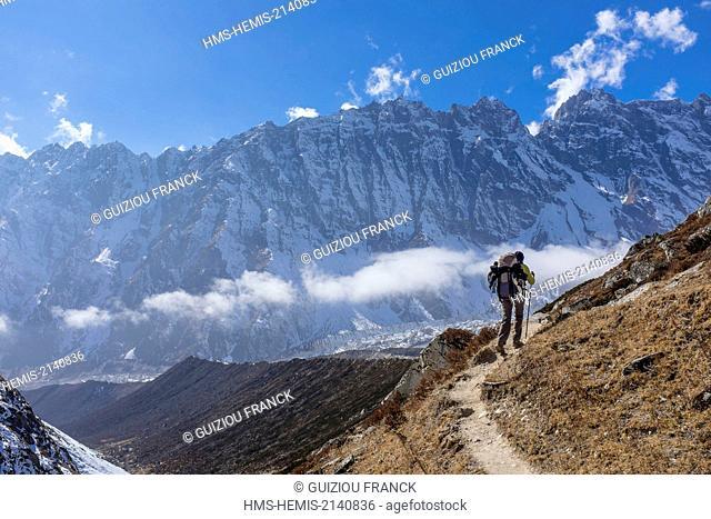 Nepal, Gandaki zone, Manaslu Circuit, between Dharamsala and Bimthang, going down the Larkya Pass