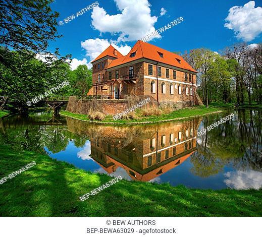 Poland, Lodz Province, Oporow. Castle in Oporow