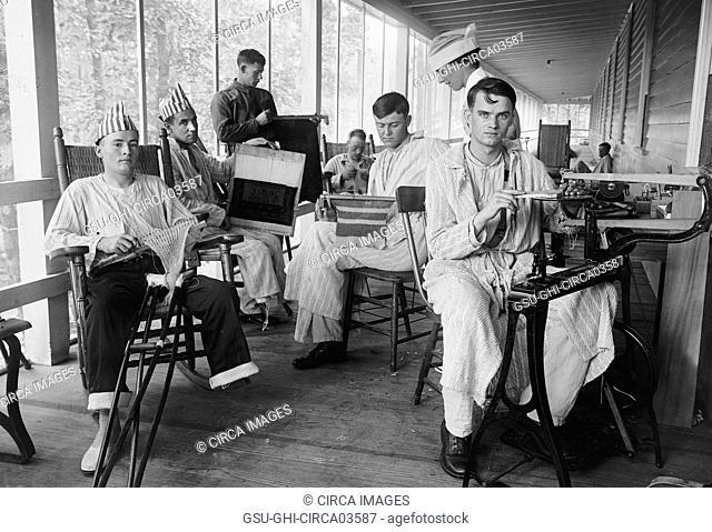 Injured Soldiers, Walter Reed General Hospital, Washington DC, USA, Harris & Ewing, 1918