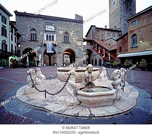 Fountain at Piazza Vecchia, Bergamo, Italy