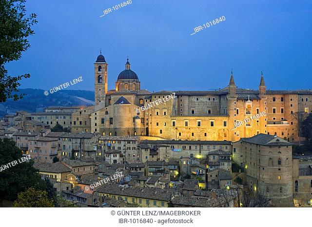 City view with Cathedral and Palazzo Ducale, Urbino, Marche, Italy, Europe