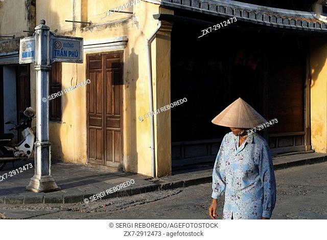 Vietnam, Quang Nam Province, Hoi An, Old Town, listed as World Heritage by UNESCO, traditional house. Bach Dang street. Vietnam.