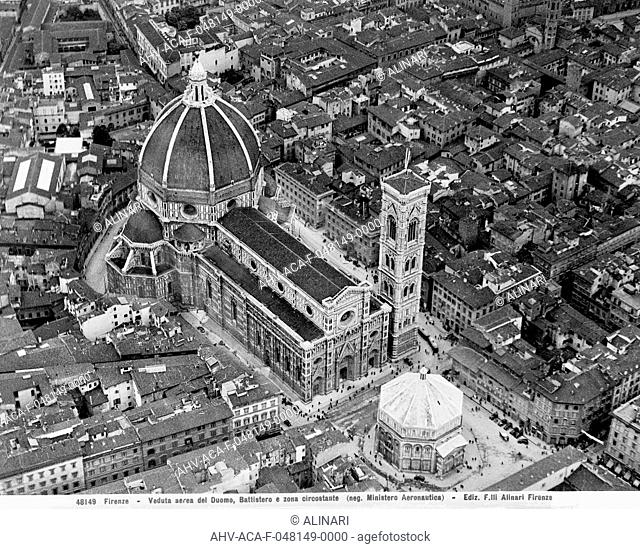 Aerial view of the Duomo and Baptistry of S.Giovanni in Florence (1296 -1468), shot 1939 by Alinari, Fratelli