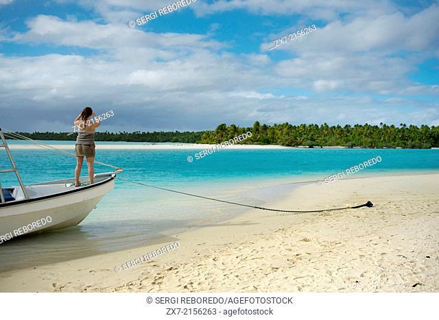 Aitutaki. Cook Island. Polynesia. South Pacific Ocean. Beach in One Foot Island. One Foot Island is asmall island in the district of Aitutaki of the Cook...