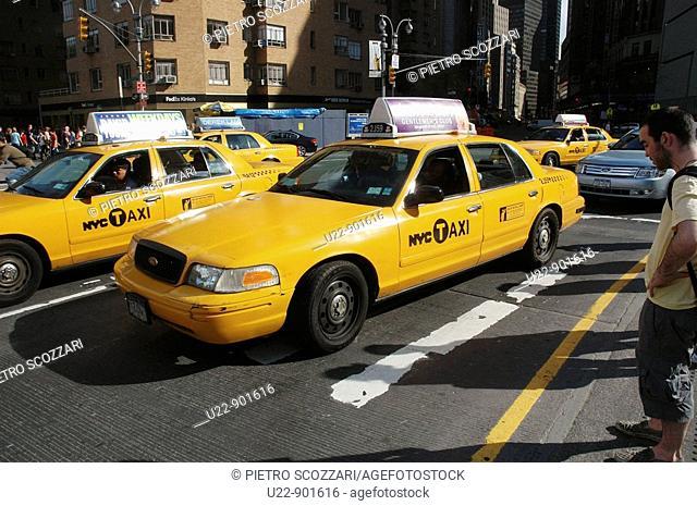 New York City (USA): taxis at Columbus Circle