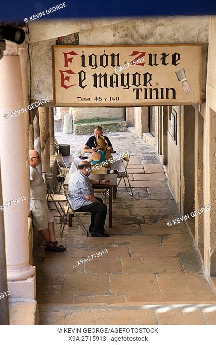 Eigon de Ismael Ortiz Cafe, Bar and Restaurant, Sepulveda, Segovia, Spain