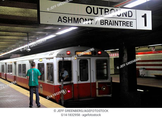 Massachusetts, Boston, South Boston, Andrew Station, MBTA, T, Red Line, platform, subway, train, Braintree, sign, outbound