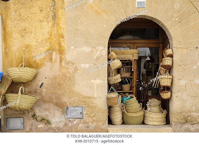 Wicker and esparto baskets for sale, Can Verdera, Campos, Majorca, Balearic Islands, Spain