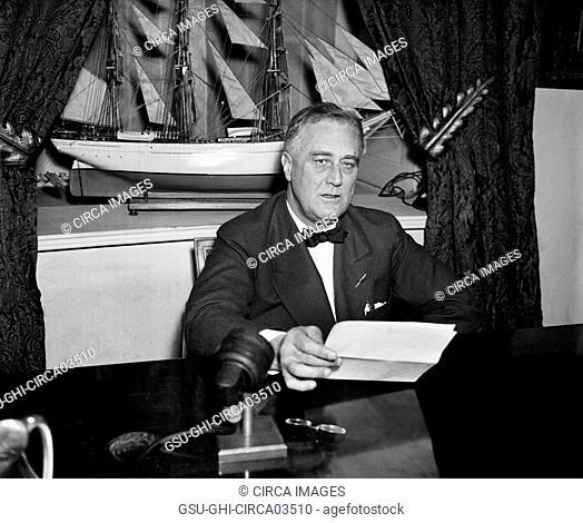 U.S. President Franklin Roosevelt, Portrait Seated at Desk, Washington DC, USA, Harris & Ewing, 1936