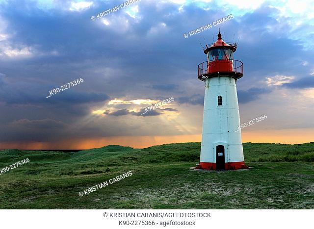 Lighthouse Listg West with dramatic sky, Sylt, North Frisian, Schleswig-Holstein, Germany, Europe