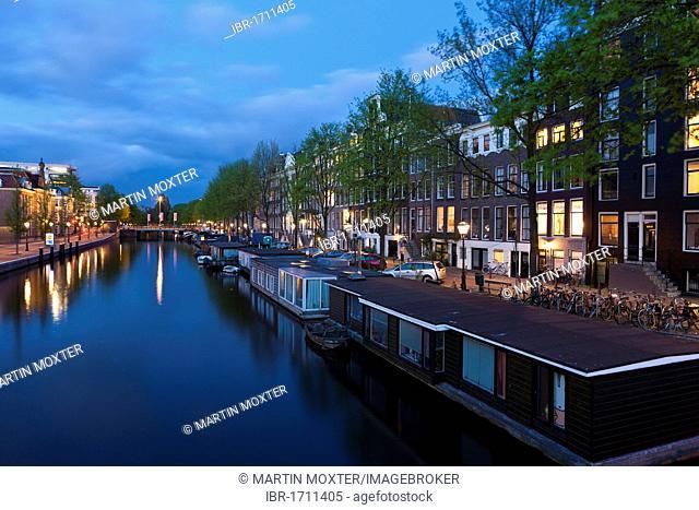 Houseboats on Nieuwe Keizersgracht, Amstel river, Amsterdam, Holland, Netherlands, Europe