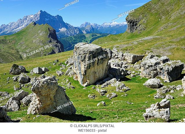trekking from Passo Giau, Val Cernera, Cortina d'Ampezzo and San Vito di Cadore, Dolomites, Alps, Province of Belluno, Veneto Region, Italy