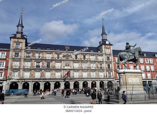 Plaza Mayor with statue of King Philip III, Madrid