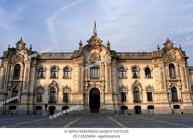 Government palace Palacio de Gobierno at Plaza de Armas square, Plaza Mayor, Peru, South America