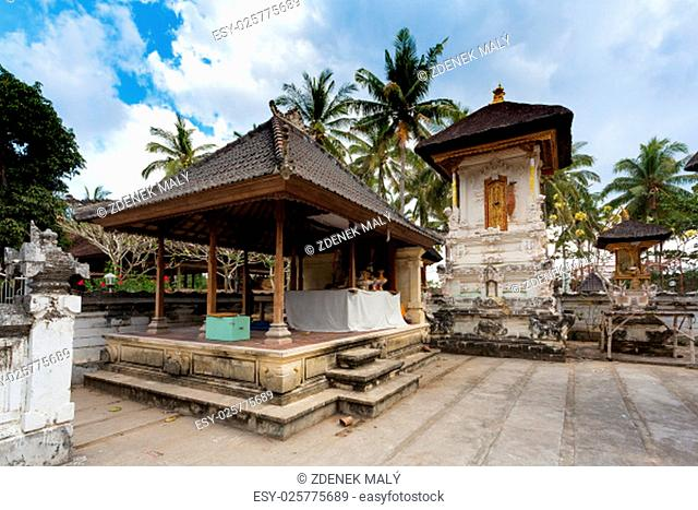 Small hindu temple Dalem Bungkut, Nusa Penida, Bali