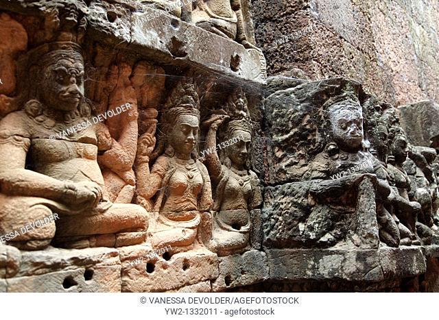 Terrace of the Leper king at Angkor, Cambodia  V10CAM0108RM