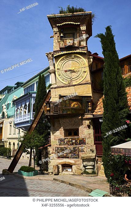 Georgie, Caucase, Tbilissi, vieille ville, tour de l'horloge du vieux Tbilisi / Georgia, Caucasus, Tbilisi, old city, the clock tower