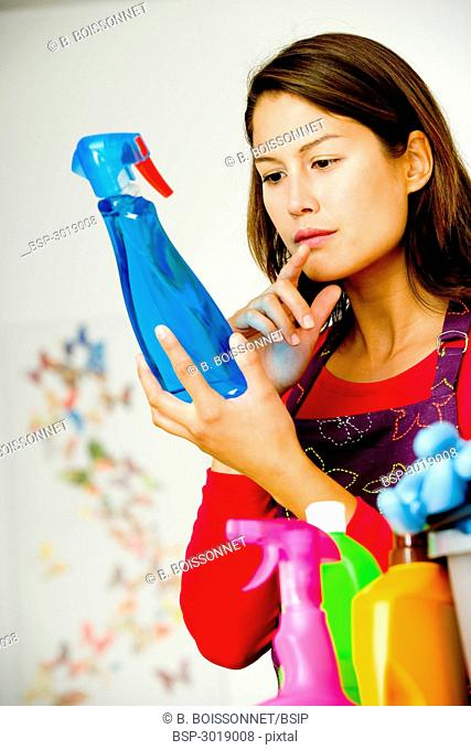 WOMAN DOING HOUSEWORK Model