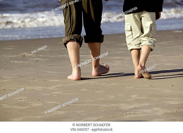 Bare feet. - 05/01/2007