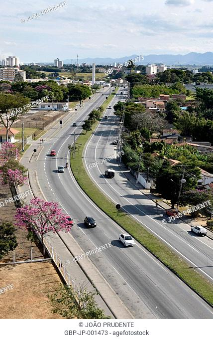 View from above, Alderman Highway Abel Fabricio Dias; SP-062, city, 2017, Pindamonhangaba, Sao Paulo, Brazil