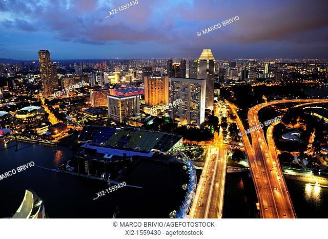 Singapore Marina Bay cityscape at dusk