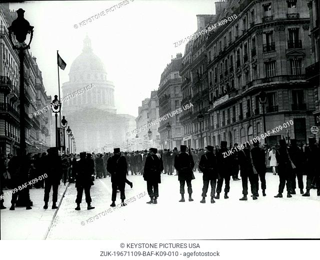 Nov. 09, 1967 - Student Demonstration in Paris (Credit Image: © Keystone Press Agency/Keystone USA via ZUMAPRESS.com)