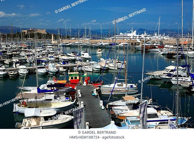 France, Aples Maritimes, Antibes, harbour