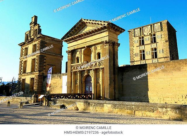 France, Vaucluse, regional park of Luberon, Aigues Valley, La Tour d'Aigues, the castle