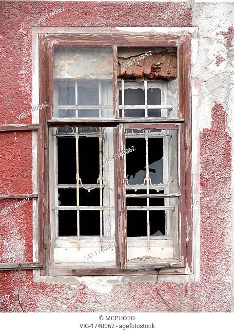 broken window - 01/01/2009