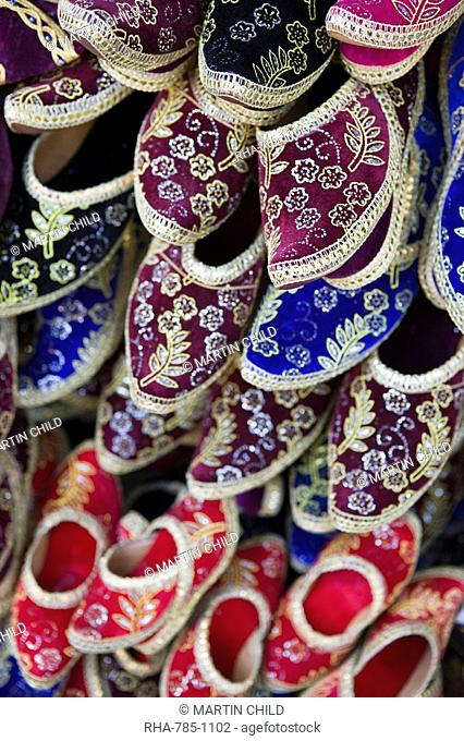 Traditional Turkish shoes for sale, Grand Bazaar Grand Bazaar, Istanbul, Turkey, Europe