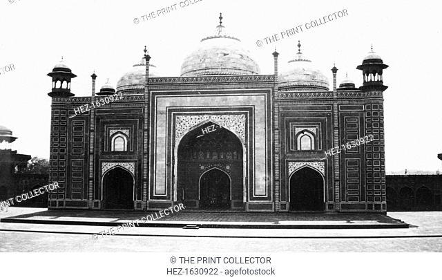 Taj Mahal mosque (or masjid), Agra, India, 1916-1917