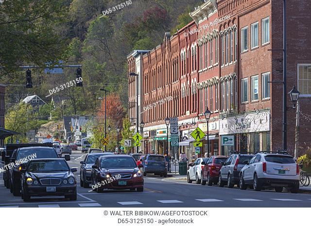 USA, New England, Vermont, Montpelier, Main Street