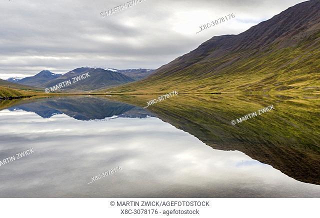 Lagoon Olafsfjardarvatn in Troellaskagi mountains near Olafsfjoerdur and Akuryeri. europe, northern europe, iceland, september