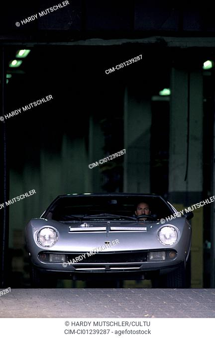 Car, Lamborghini Miura SV Jota, model year: 1970s, seventies, silver, sports car, Coupé, Coupe, vintage car, old car, standing, front view, city