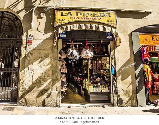 Europe, Spain, Barcelona, carrer del pi, pi street