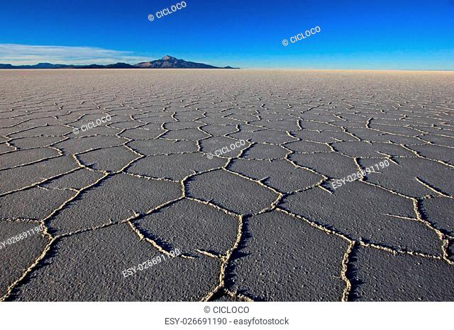 Salar de Uyuni, salt lake, is largest salt flat in the world, altiplano, Bolivia, South America