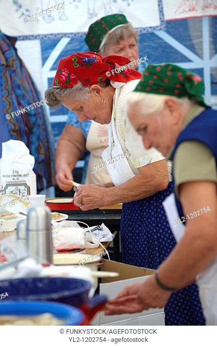 Women fron Nagrecse in traditional dress - Hungarian Regional Gastronomic Festival 2009 - Gyor  Gyor  Hunga