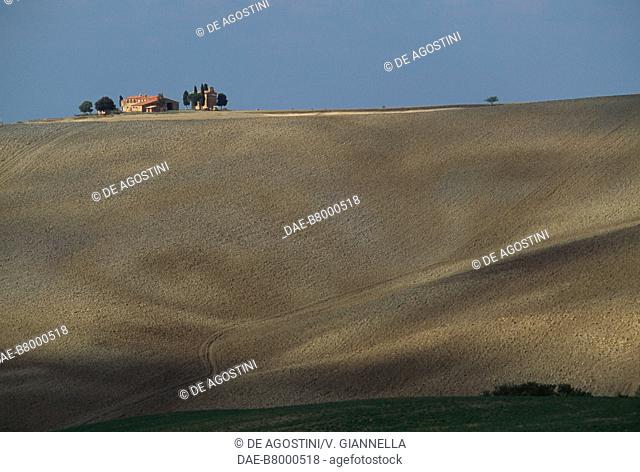 View of the Madonna di Vitaleta Chapel, San Quirico d'Orcia, Val d'Orcia (UNESCO World Heritage List, 2004), Tuscany, Italy