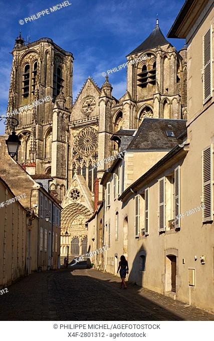 France, Cher (18), Bourges, St Etienne cathedral, UNESCO world heritage, rue du guichet