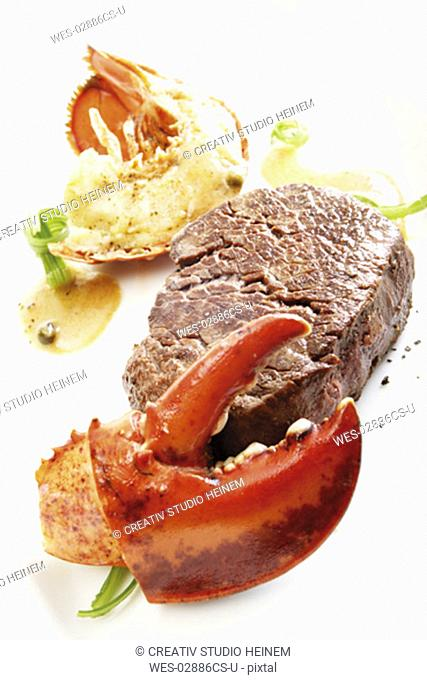 Surf and turf, filet steak with seafood