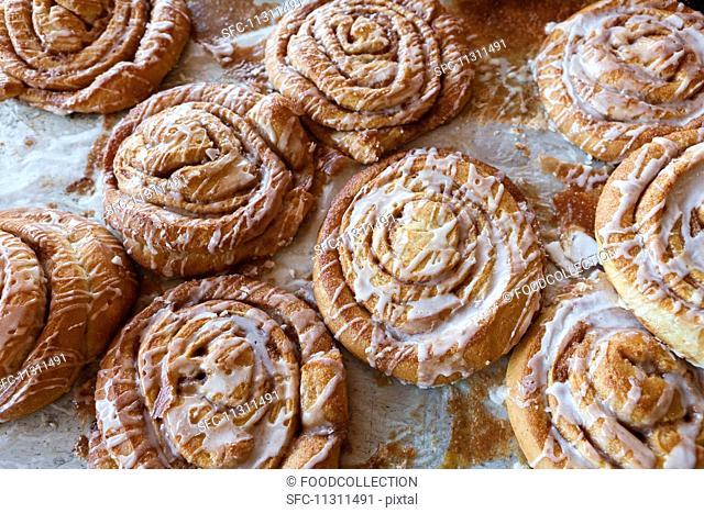 Cinnamon buns with icing