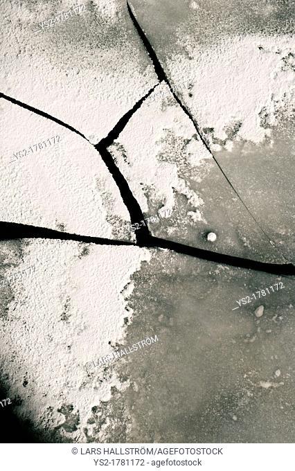 Broken Ice Sheets