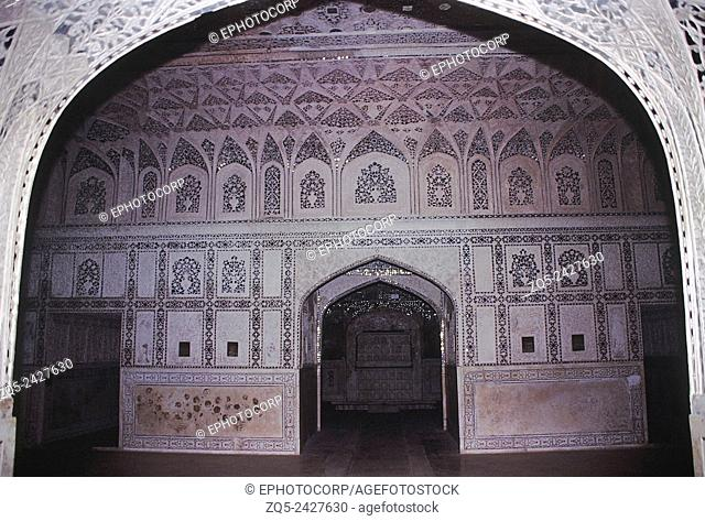 'Sheesh Mahal' or the Glass Palace. Built by the Mughal King Shah Jahan in 1631-1640 A. D. Agra, India