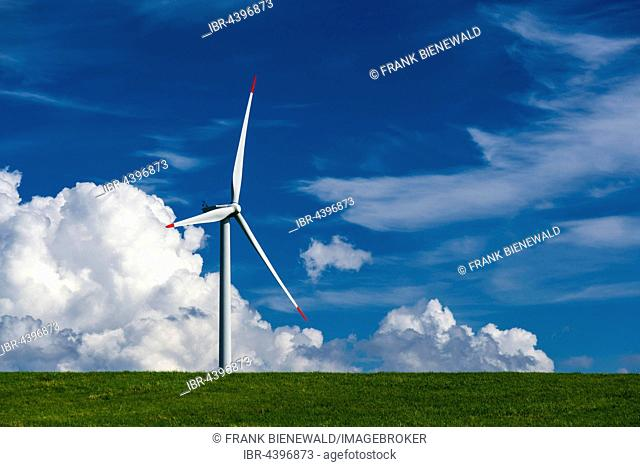Wind power plant in agricultural landscape, Hermsdorf, Saxony, Germany