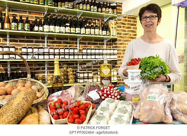 NATHALIE DE WEVER, STORE OWNER IN HER LOCAVORE SHOP 'GOUT ET TRADITION' SELLING LOCAL AND REGIONAL PRODUCTS OF THE LAND, RUGLES, EURE (27), FRANCE