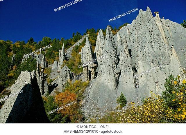 France, Hautes Alpes, hoodoos of Theus, geological curiosity