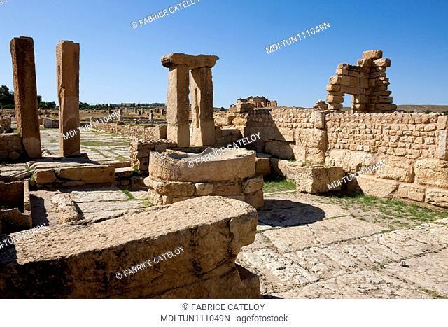 Tunisia - Sbeitla or Sufetula - Oil press machine and mill