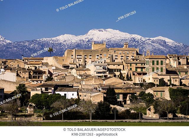The Palace of the Kings of Majorca is a rebuilt during the reign of King Jaime II of Mallorca, in 1309, Sineu, and Tramuntana mountains with snow Mancomunidad...
